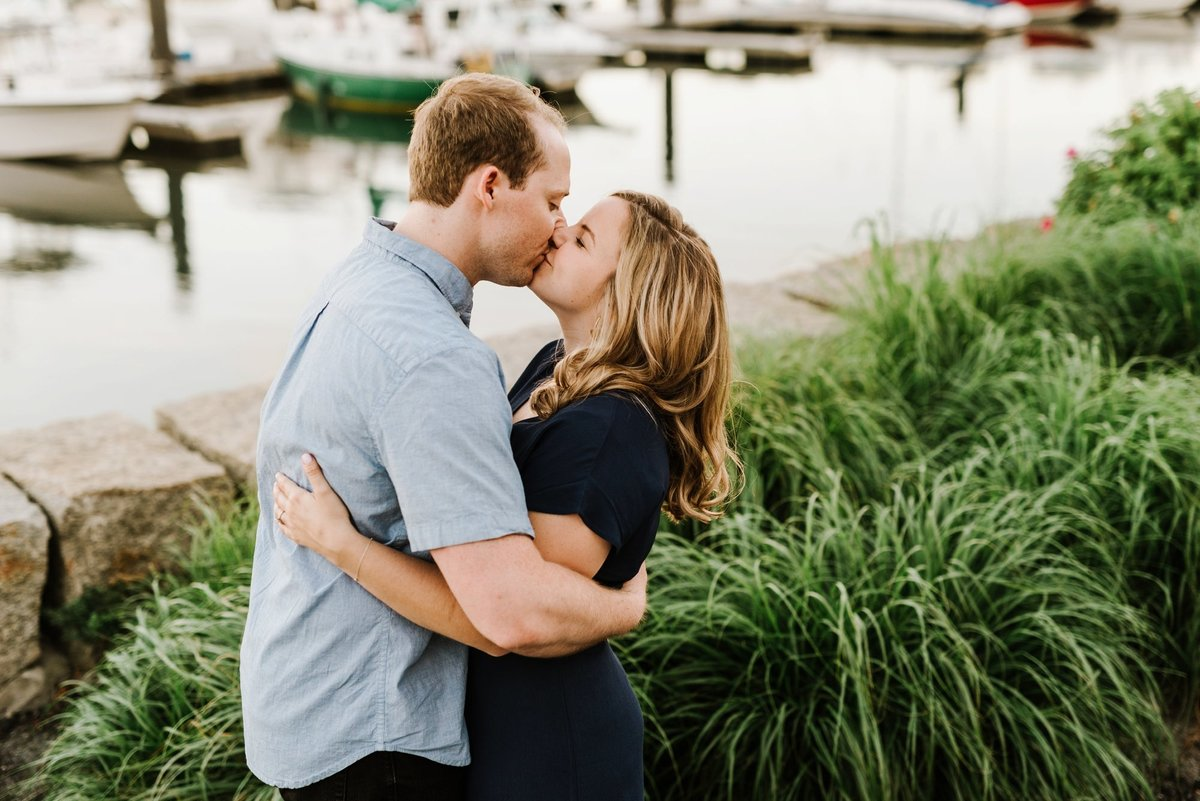 boston-wedding-photographer-charlestown-navy-yard-engagement-photo_0004