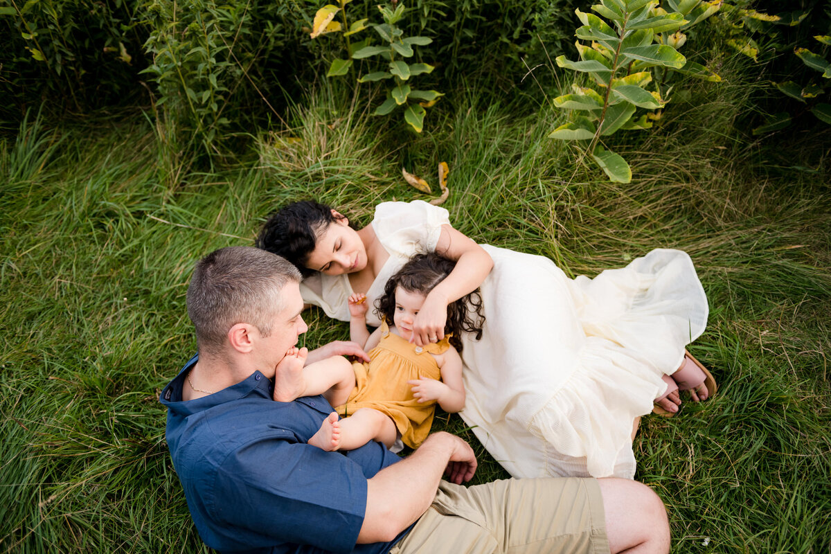 Boston-family-photographer-bella-wang-photography-Lifestyle-session-outdoor-wildflower-70