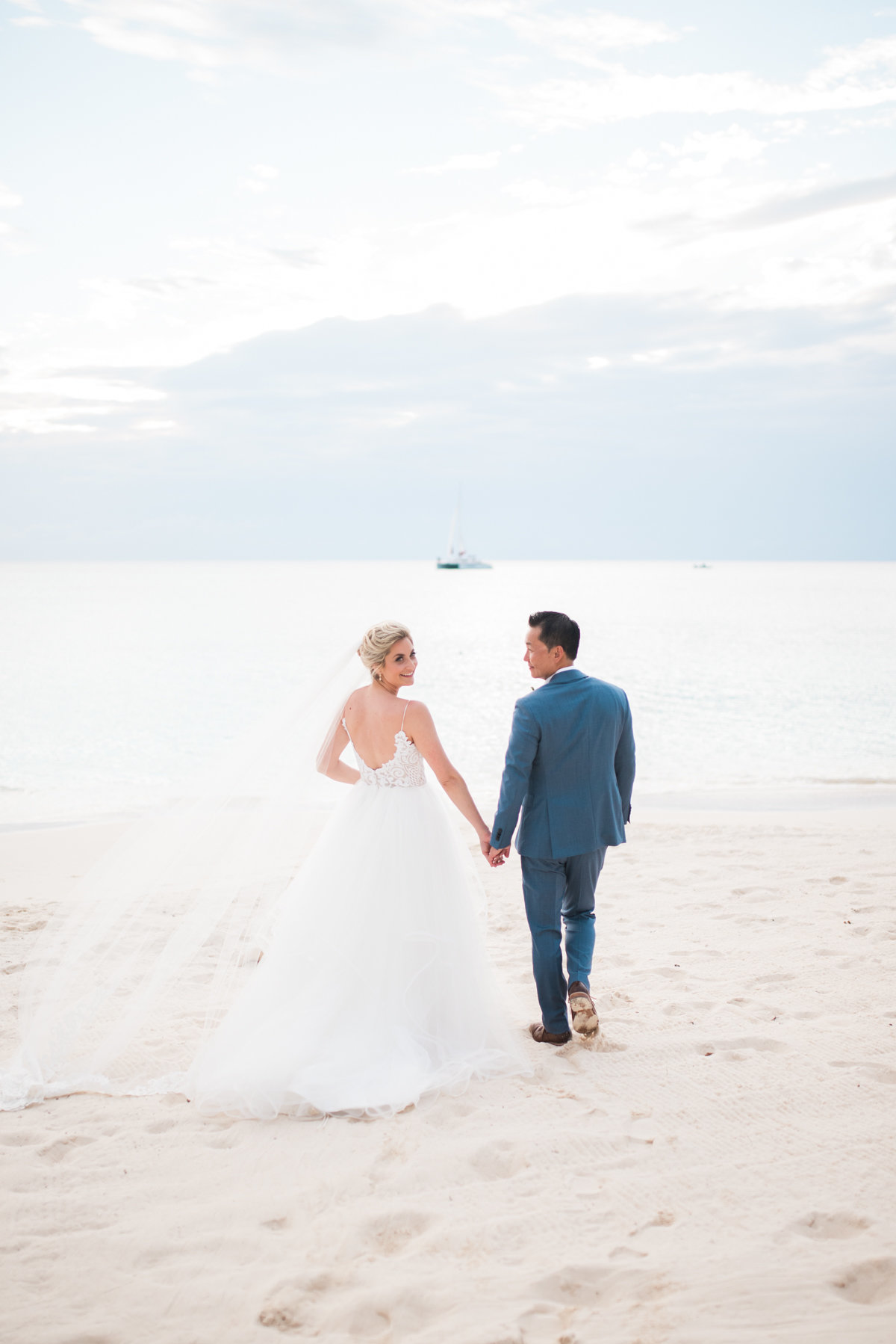 Sneak Alissa Kenny Wedding Grand Cayman Marriott _ Hello Blue Photo-31