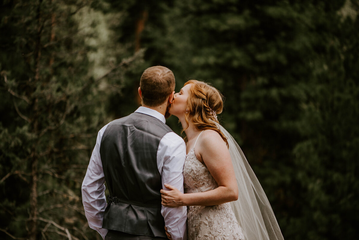 ochoco-forest-central-oregon-elopement-pnw-woods-wedding-covid-bend-photographer-inspiration2319