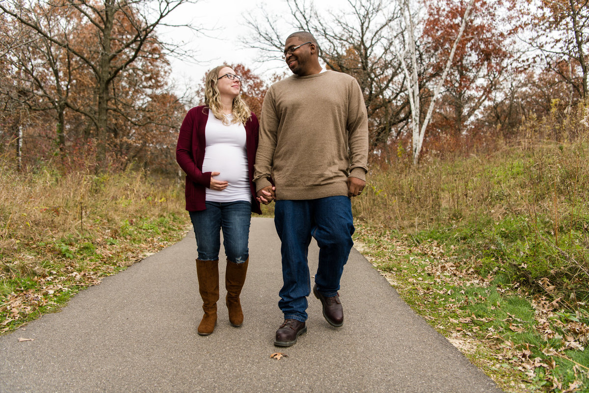 Mia and Carlos - Minnesota Maternity Pregnancy Photographer - Lebanon HIlls Regional Park - RKH Images  (63 of 68)