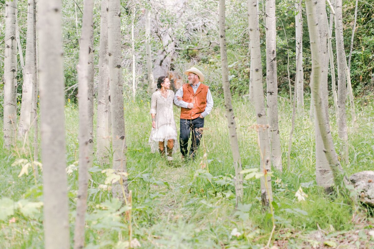red-barn-golden-gate-canyon-colorado-rustic-wedding-mountains-farm-rocky-mountain-bride-0017