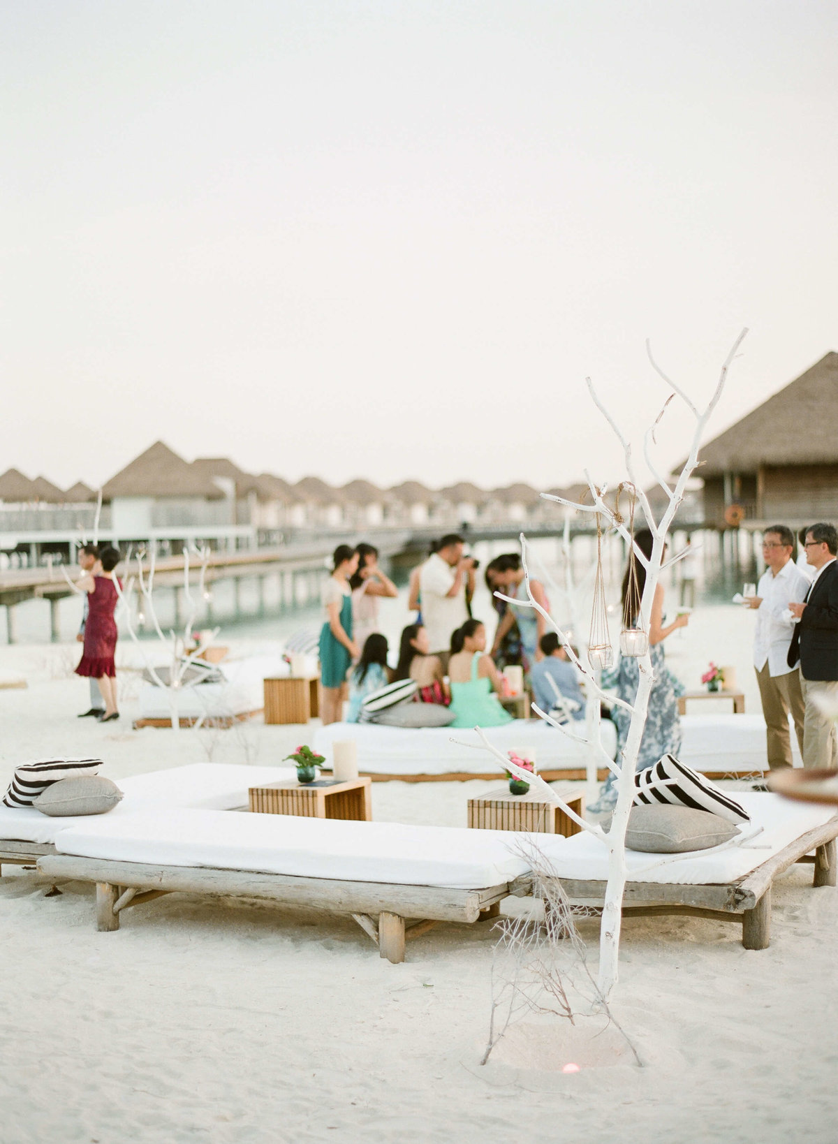 39-KTMerry-destinationwedding-beach-party-Maldives