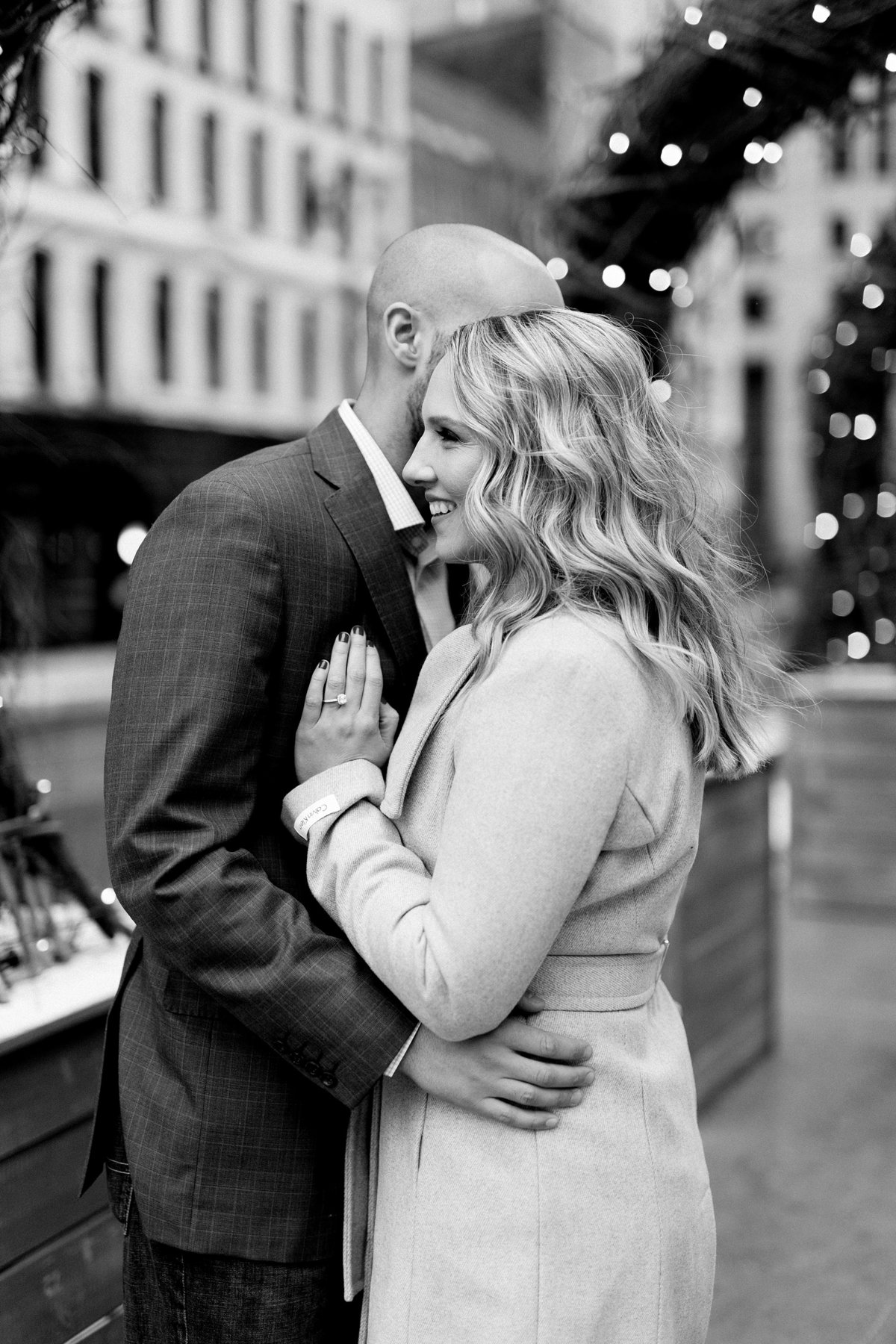 Allison-Joe-Detroit-Winter-Engagement-Breanne-Rochelle-Photography9