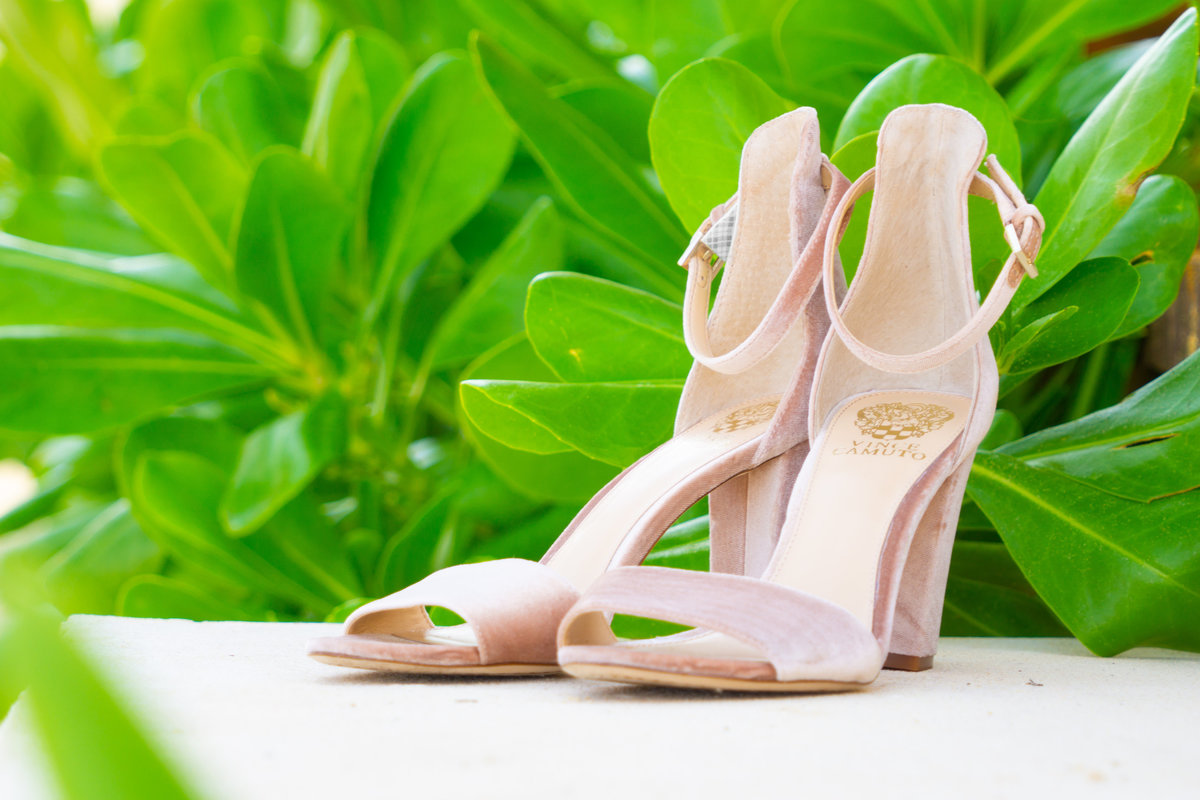 Tan wedding sandals with heels and straps in Mexico