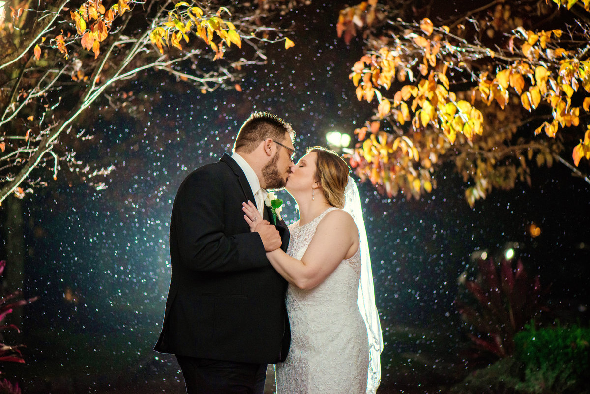 night shot of bride and groom at Willow Creek Golf and Country Club wedding