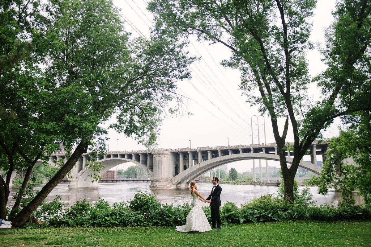 1 Minneapolis Wedding Couple Portraits Bridge _7730