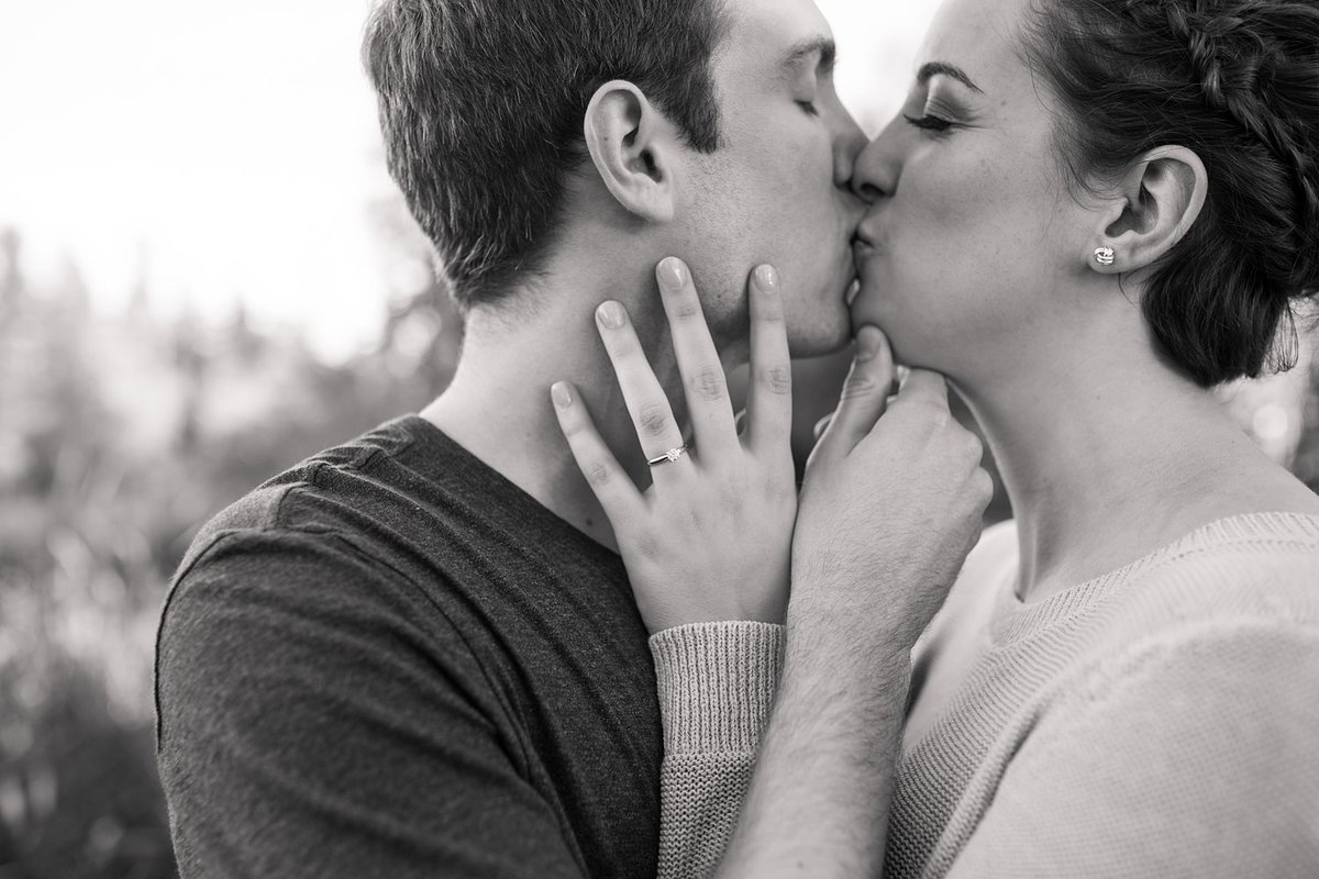 Kirkland-engagement-photography-Juanita-Bay-Park (1)