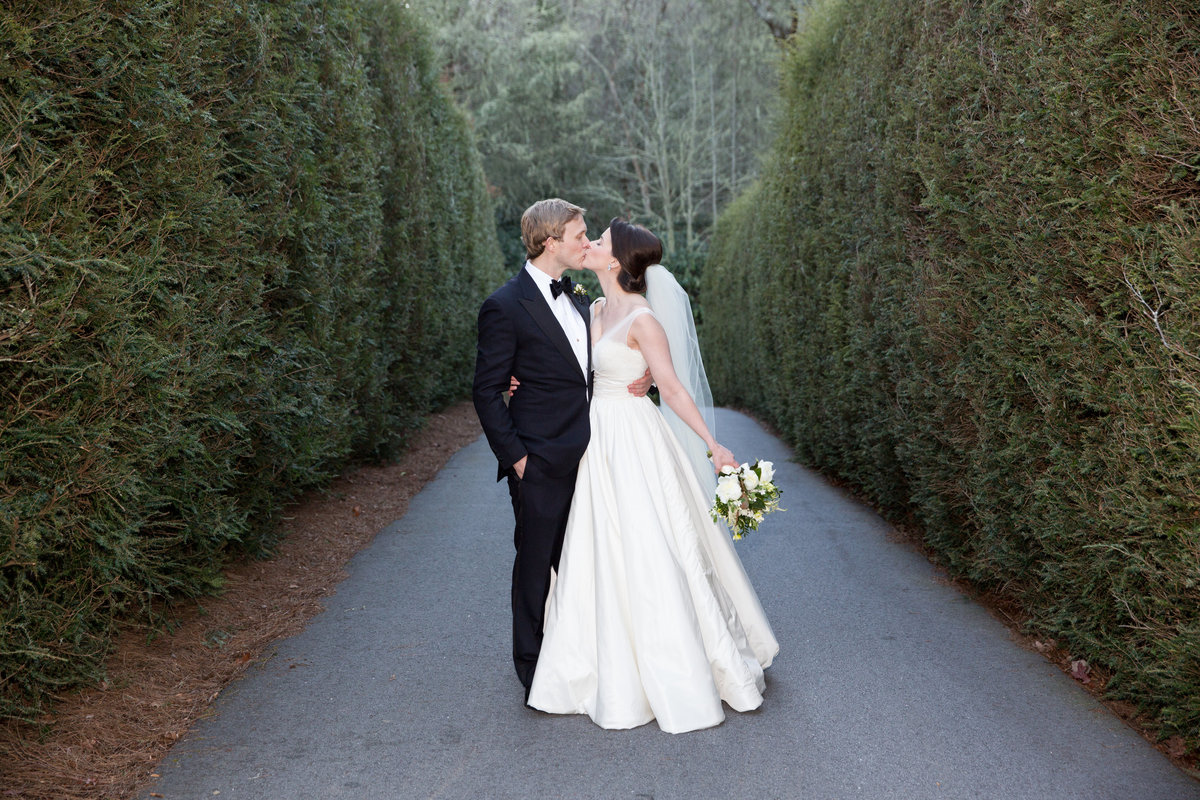 0041_Old-Edwards-Inn-Highlands-NC-Winter-Wedding
