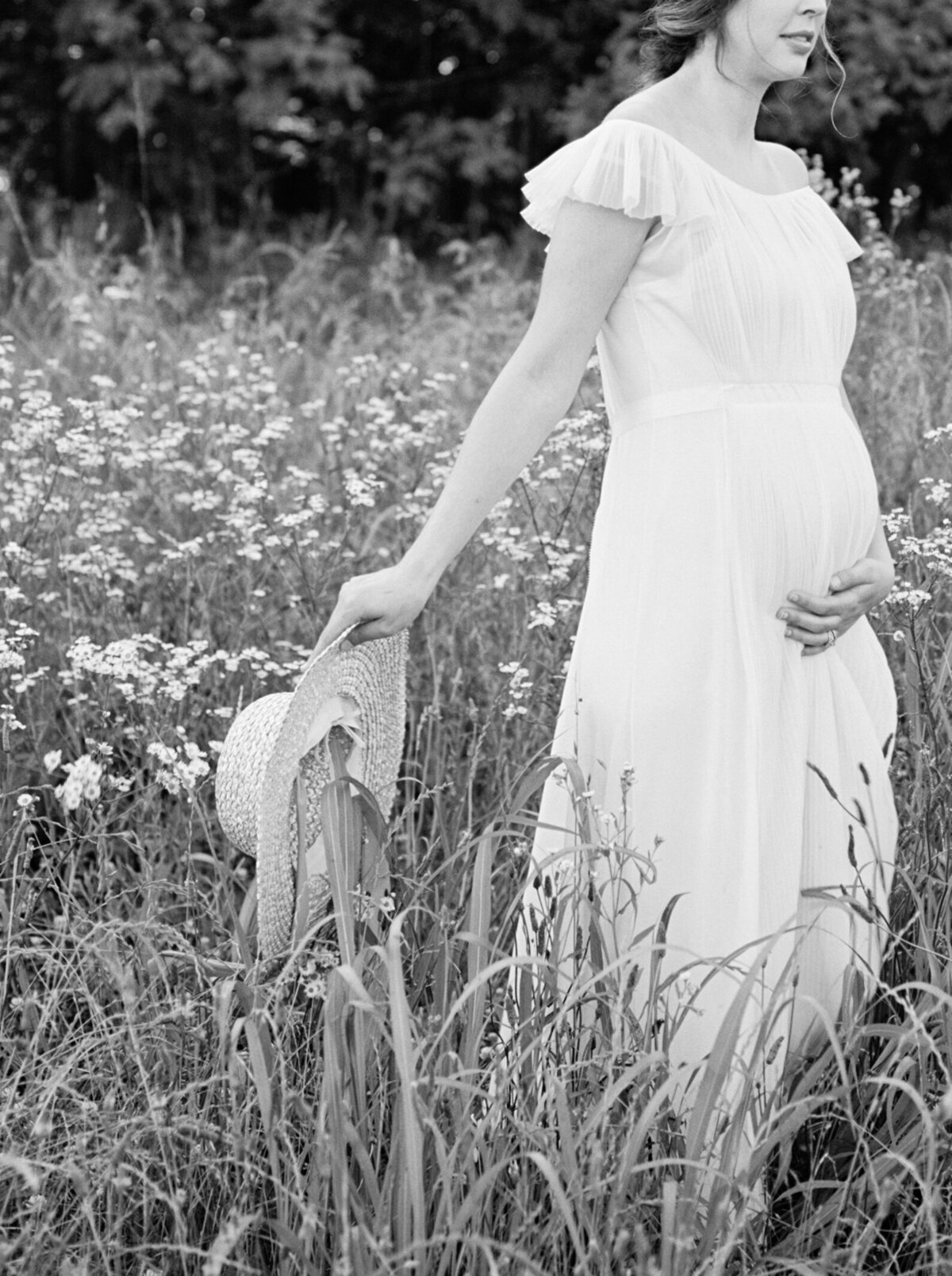 Michela Watson Photography Michela Brooke Photography Natural Organic Timeless Simple Feminine Fine Art Film Maternity Pregnancy Motherhood Ivy Rose Barn-39