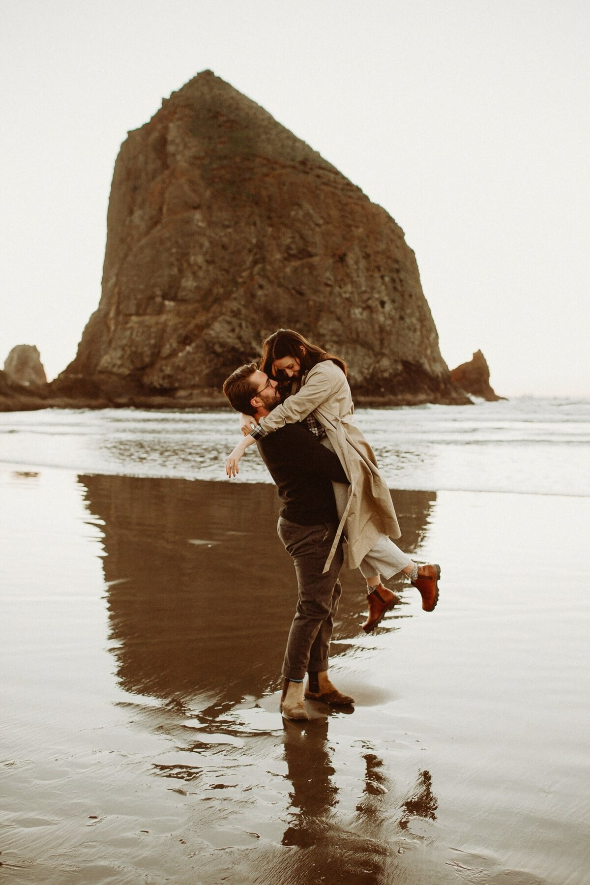 canon-beach-engagement-session_3