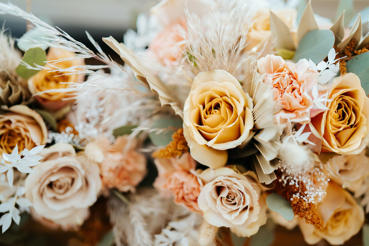 Warm neutral wedding bouquets