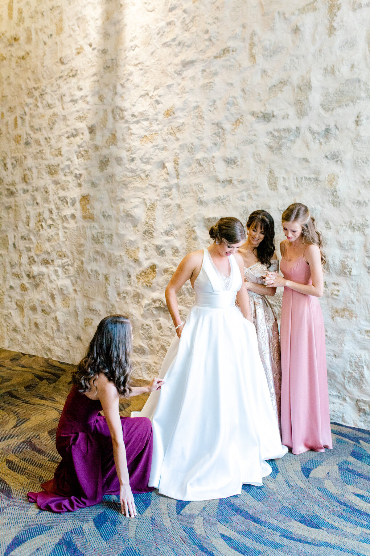 Kaylee & Michael's Wedding at Watermark Community Church | Dallas Wedding Photographer | Sami Kathryn Photography-26
