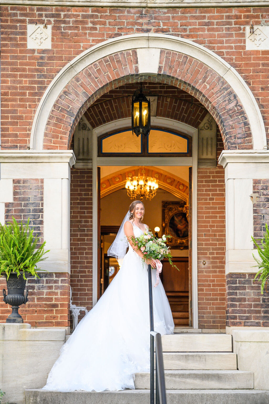 Lynwood Estate - Luxury Richmond Kentucky Wedding Venue - Elegant Estate Wedding 00033