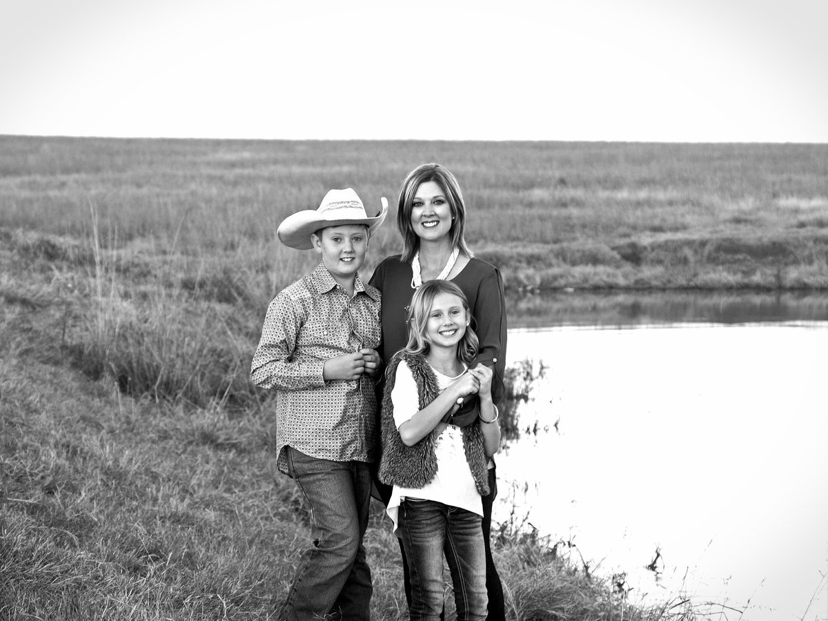 bluestem-lake-family-pictures