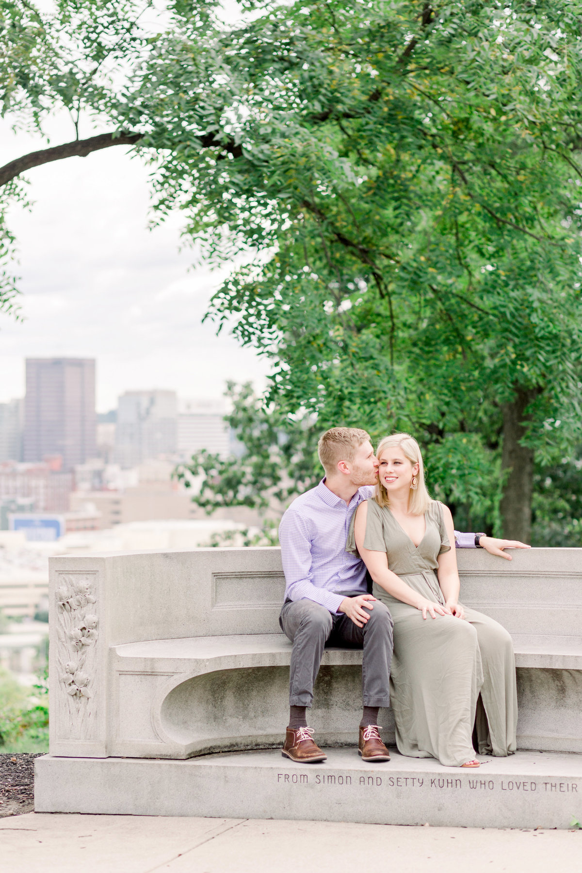 Cincinnati-engagement-wedding-photographer-eden-park-art-museum-smale-riverfront002