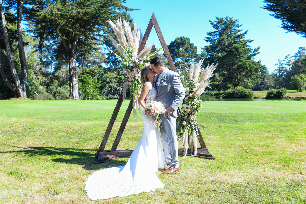 Redway-California-wedding-photographer-Parky's-PicsPhotography-Humboldt-County-Photographer-Beau-Pre-Golf-Course-wedding-11.jpg