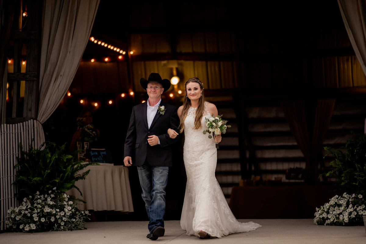 Nsshville Bride - Nashville Brides - The Hayloft Weddings - Tennessee Brides - Kentucky Brides - Southern Brides - Cowboys Wife - Cowboys Bride - Ranch Weddings - Cowboys and Belles086