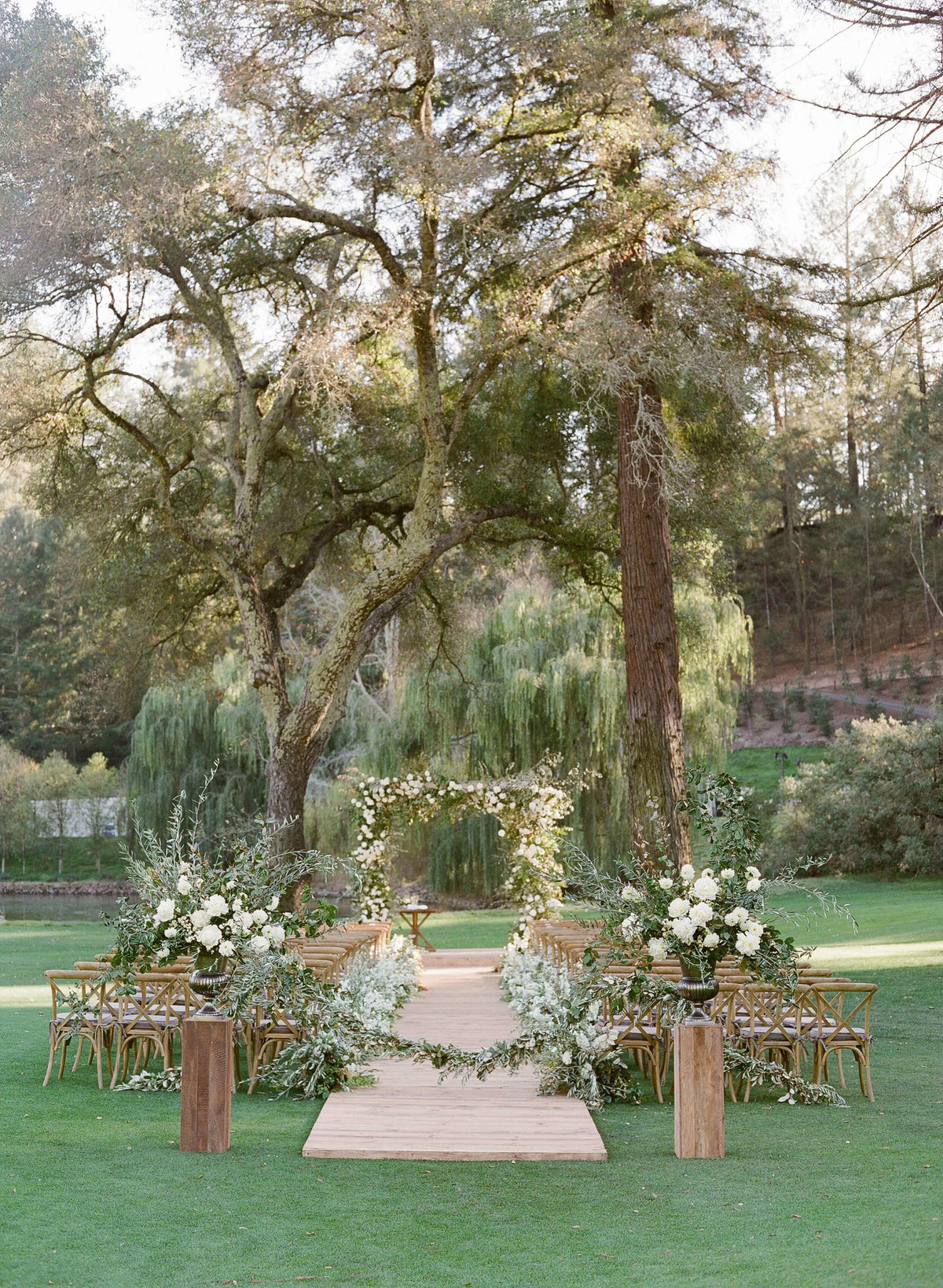 8-KTMerry-weddings-Meadowood-Napa-Valley-ceremony