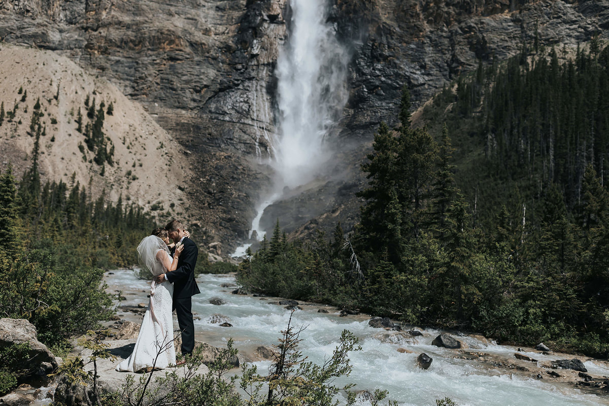 takakkaw falls waterfall elopement