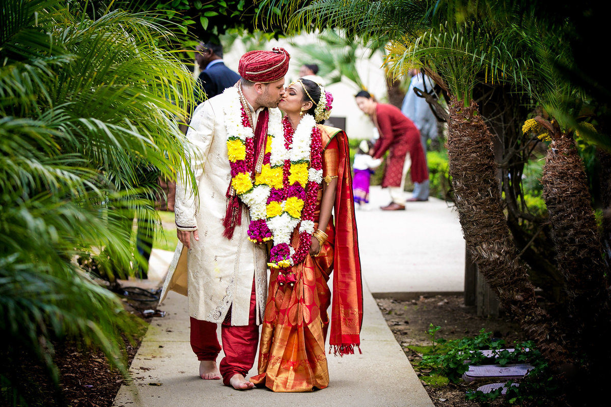 078-estancia-la-jolla-hotel-and-spa-wedding-photos-vithya-peter