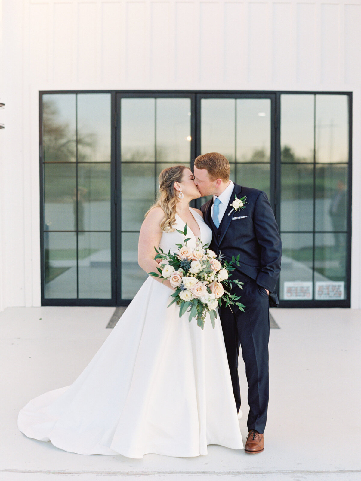 the-farmhouse-wedding-houston-texas-wedding-photographer-mackenzie-reiter-photography-22