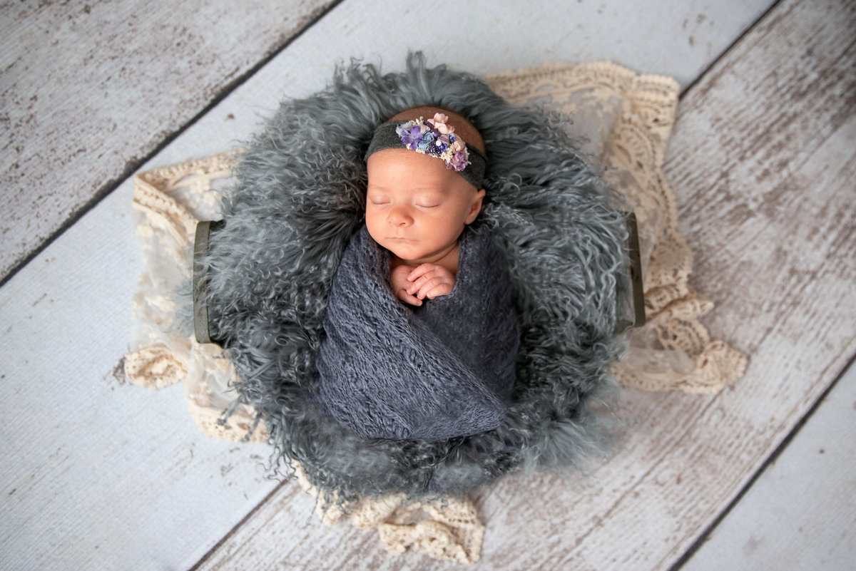 newborn-girl-4-weeks-imagery-by-marianne-2019-9