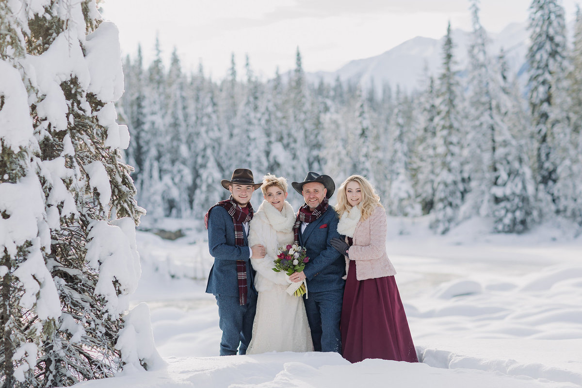 nattural bridge wedding party emerald lake lodge wedding photos