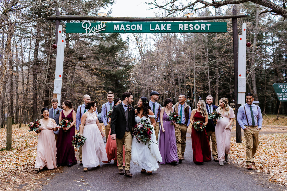 Boyds-Mason-Lake-Resort-Wedding-Party