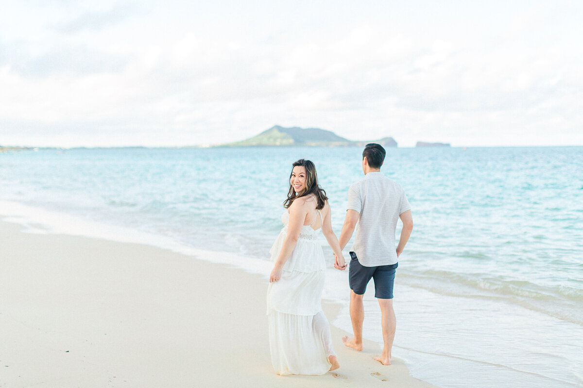 Blog-lanikai beach maternity session by hawaii maternity photographer veronica ilioi photography-0027