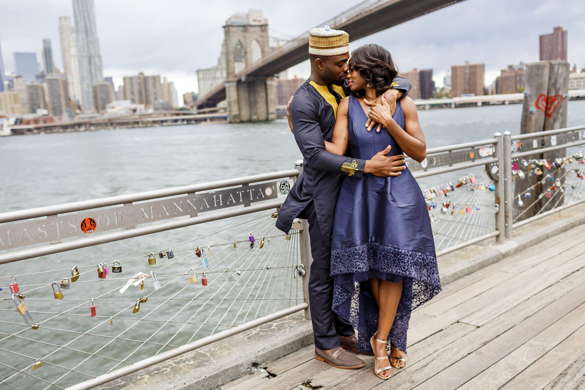 Brooklyn_Bridge_New_York_Engagement_Session_Amy_Anaiz_017