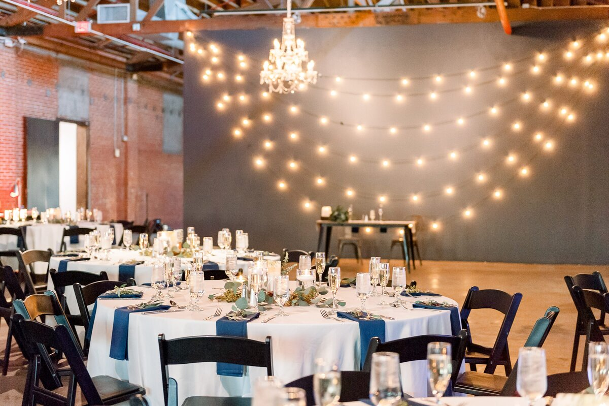 Warehouse-215-wedding-by-Leslie-Ann-Photography-00083
