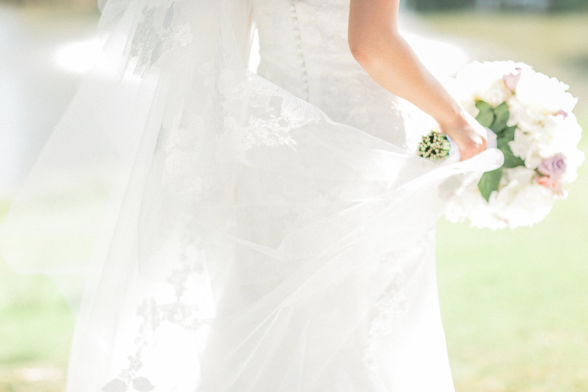 Long Lace Tulle Veil and bouquet