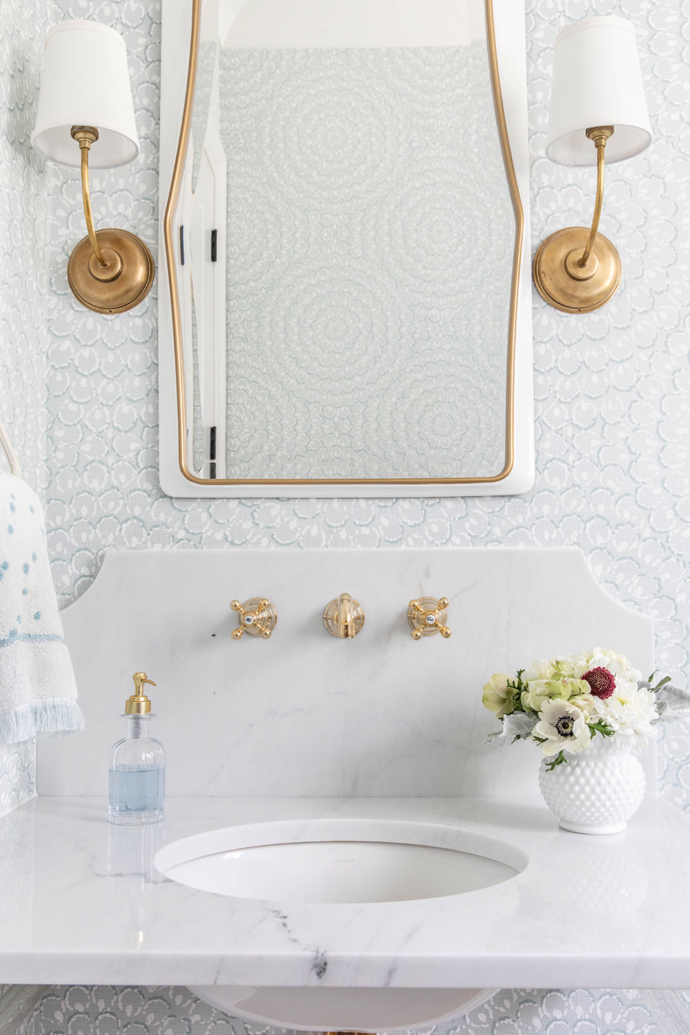 Thibaut-Wallpaper-with-Marble-Decorative-Backsplash-and-Acrylic-Brass-Sink-Legs-1