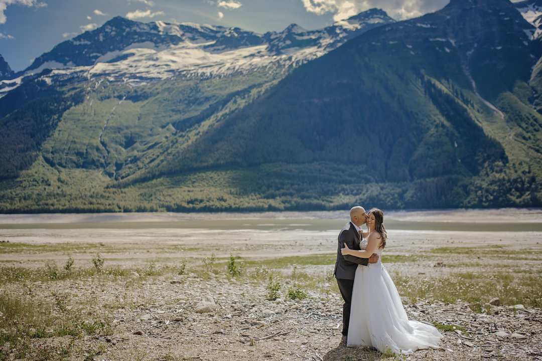 Wedding Photo fo bride and groom at Kinbasket Lake in Valemount BC by kat's Studio co