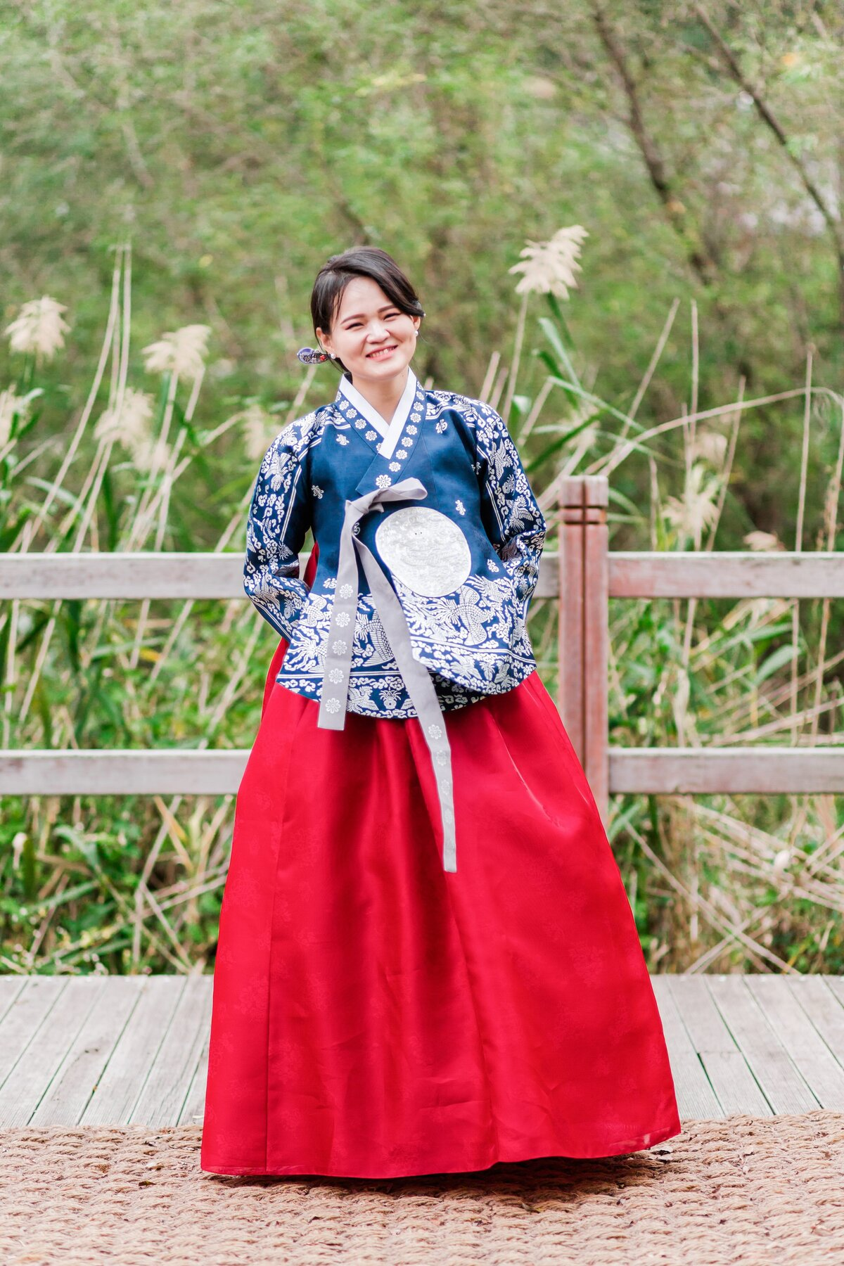 Seoul-South-Korea-Bridal-Engagement-Shoot-Eunpyeong-Village-Hanok-0028
