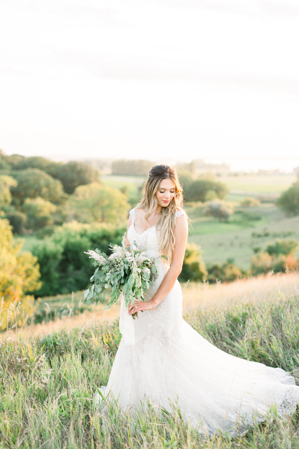 Minnesota Bride, Minnesota wedding photographer, Minneapolis wedding photographer, Wedding Dress, trish Allison photography, trish allison photography weddings, Light and airy photographer, Minnesota photogrpaher light and airy