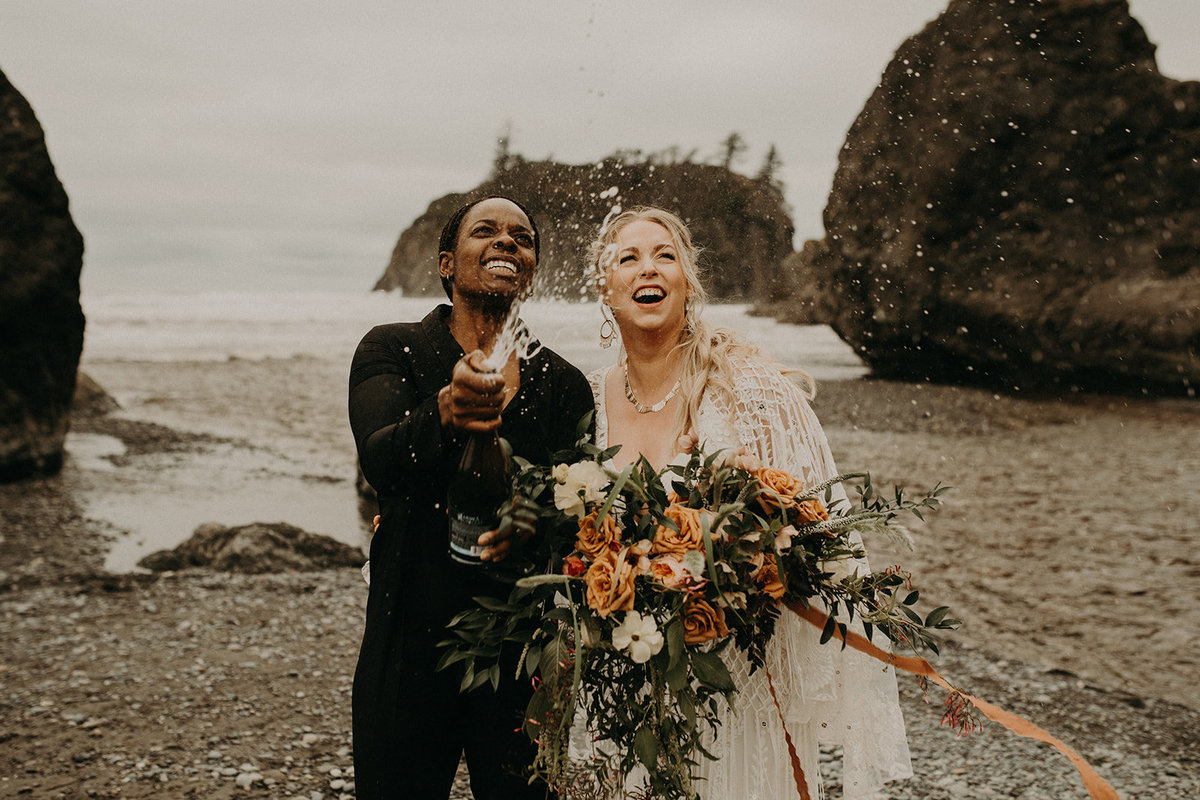 Ruby_Beach_Styled_Elopement_-_Run_Away_with_Me_Elopement_Collective_-_Kamra_Fuller_Photography_-_Champagne-18