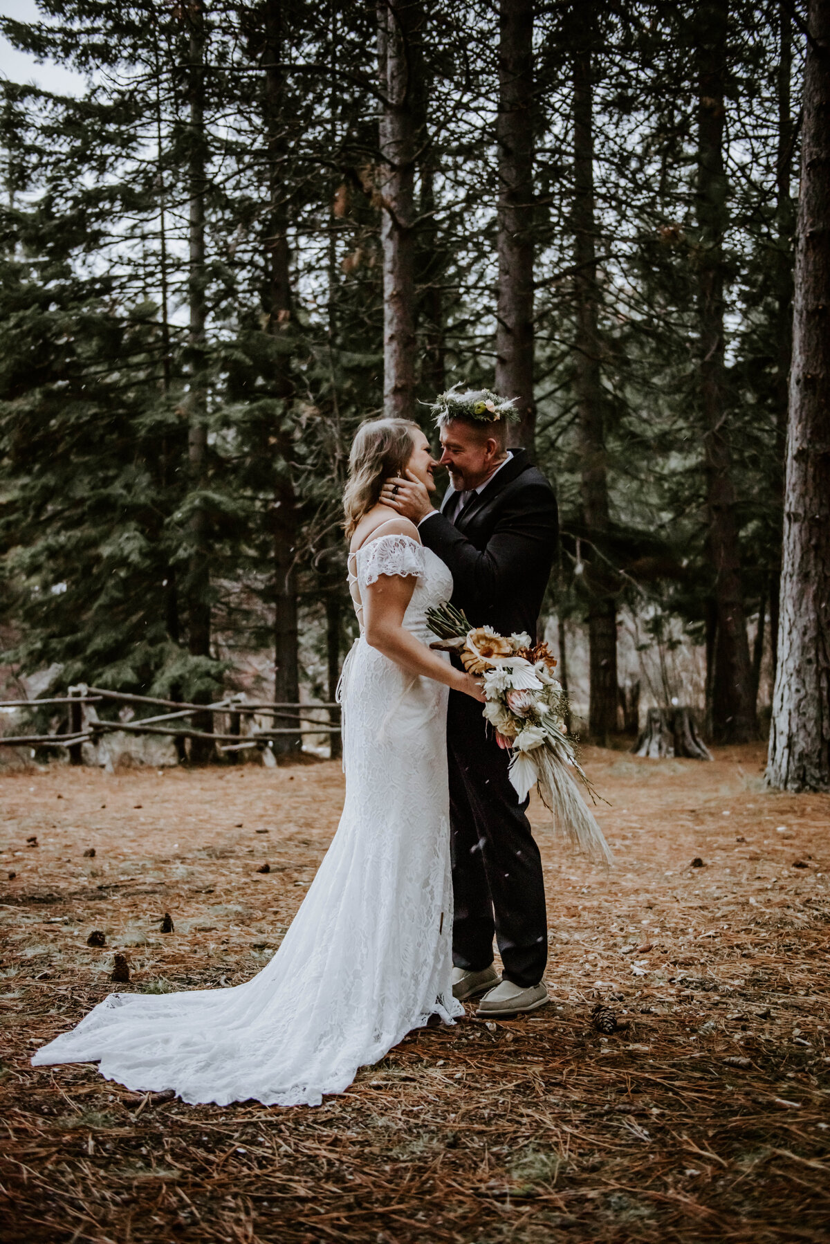 suttle-lake-sisters-oregon-lodge-woods-vow-renewal-photographer-wedding-elopement-3146