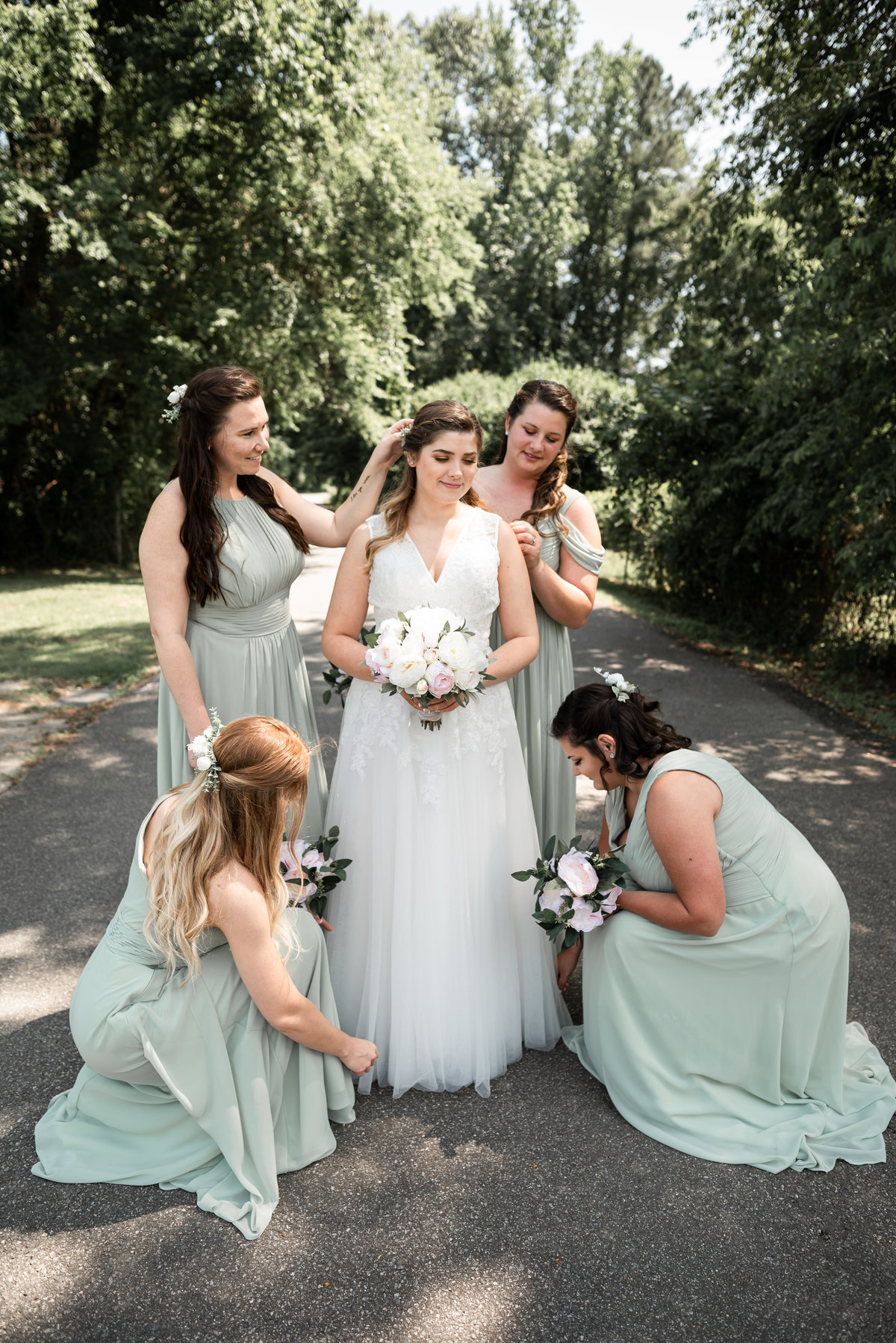 B & Bridesmaids Portraits print2019-75