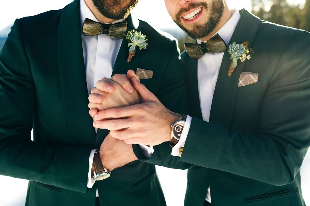 Enorm-Gallery37225-weddingphotography-colorado-mountain-snow-gaywedding-lgbqt-couple-portraits-skiing-154_1024x1024