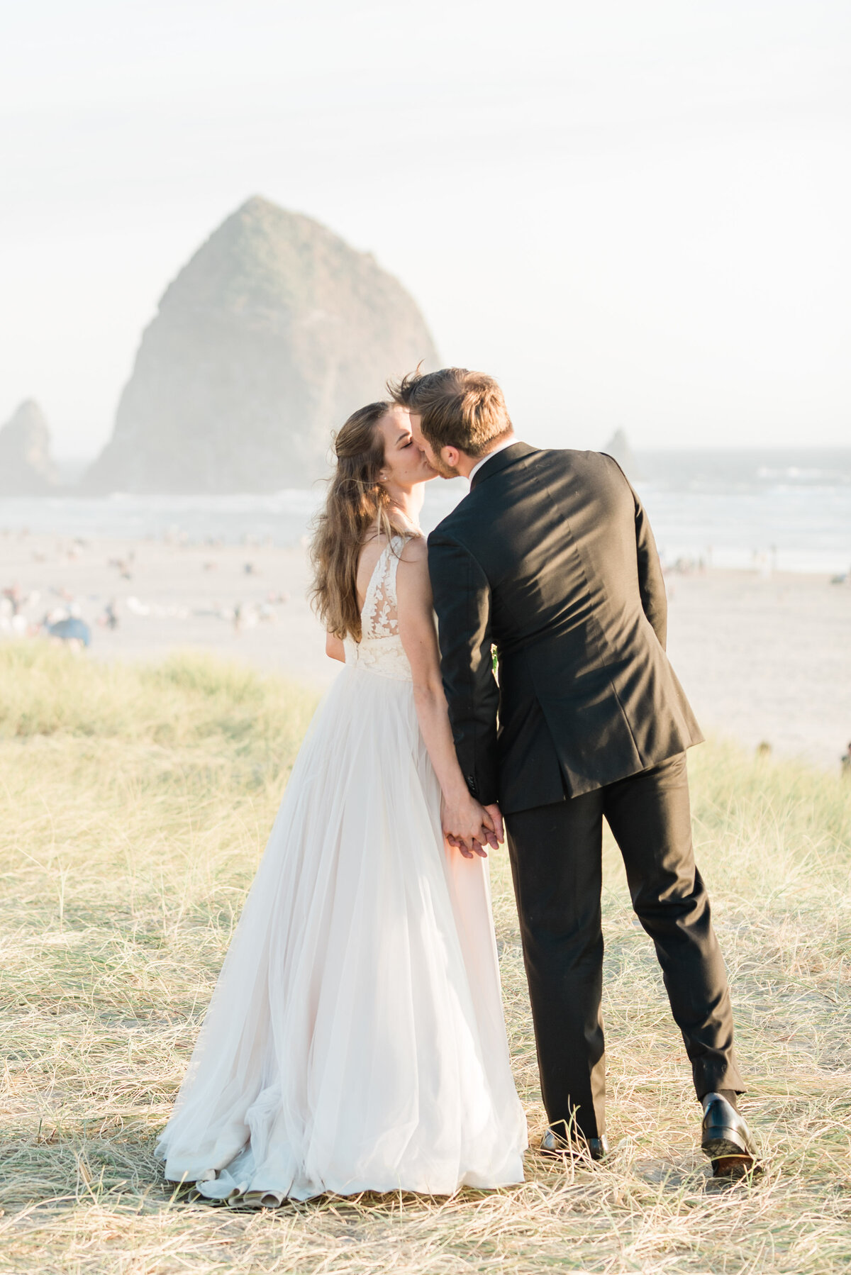 Cannon-Beach-Elopement-Photographer-37