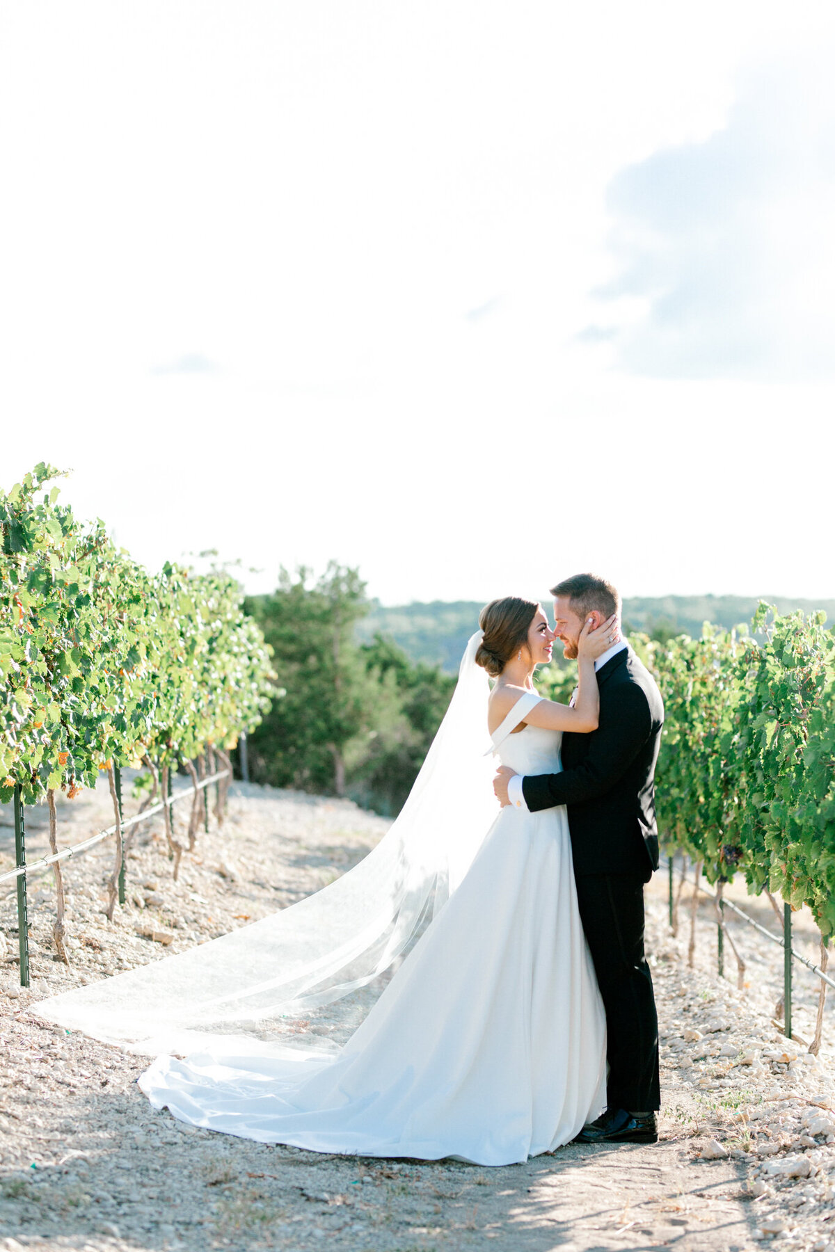Lexi Broughton & Garrett Greer Wedding at Dove Ridge Vineyards | Sami Kathryn Photography | Dallas Wedding Photography-131