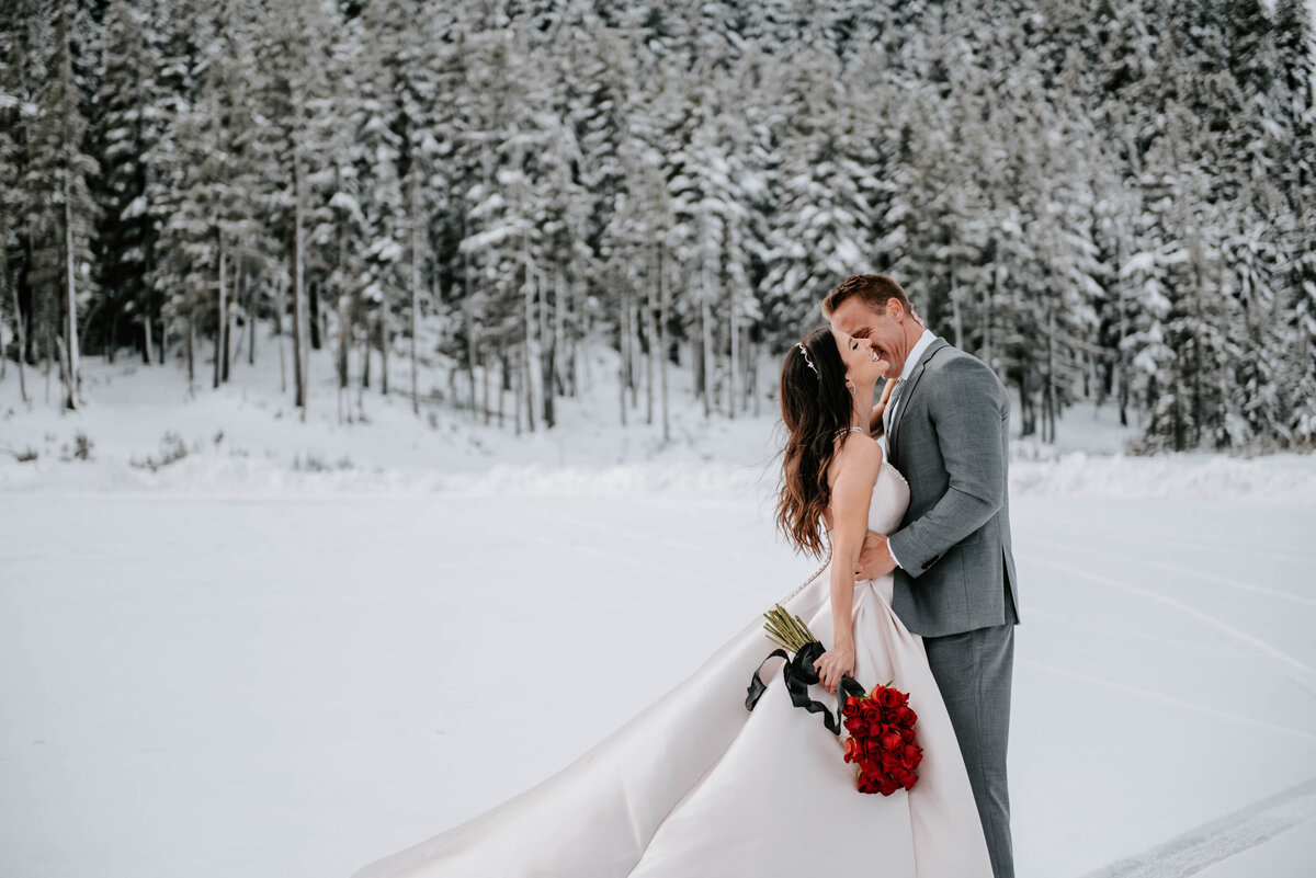 mt-bachelor-snow-winter-elopement-bend-oregon-wedding-photographer-2101
