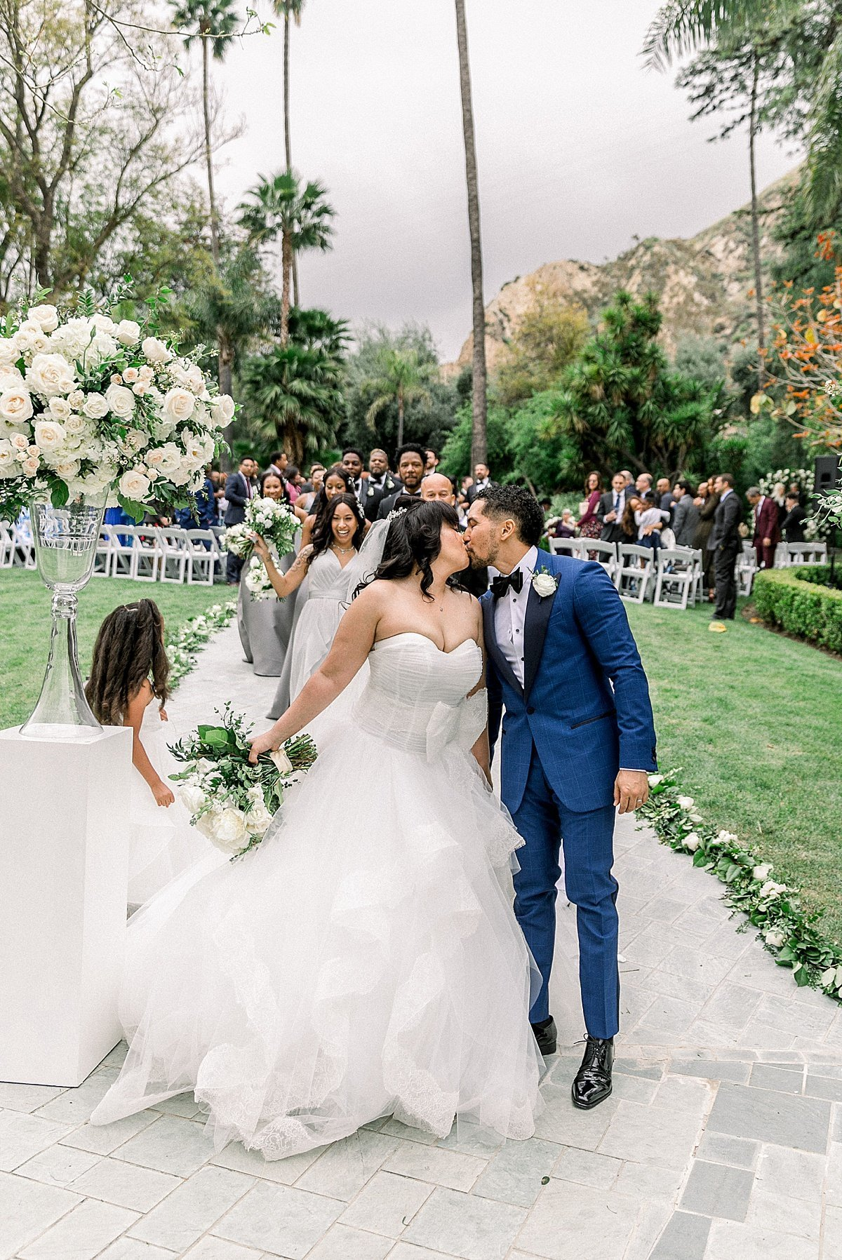 Posh Peony Newhall Mansion Piru Lush White Floral and Greenery Wedding_0011