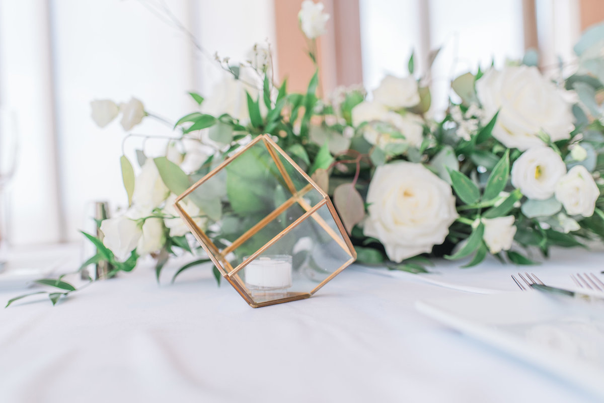0048_Sage_Designs_at_Westin_22_White_florals_and_fresh_greens___Photography_by_Emma