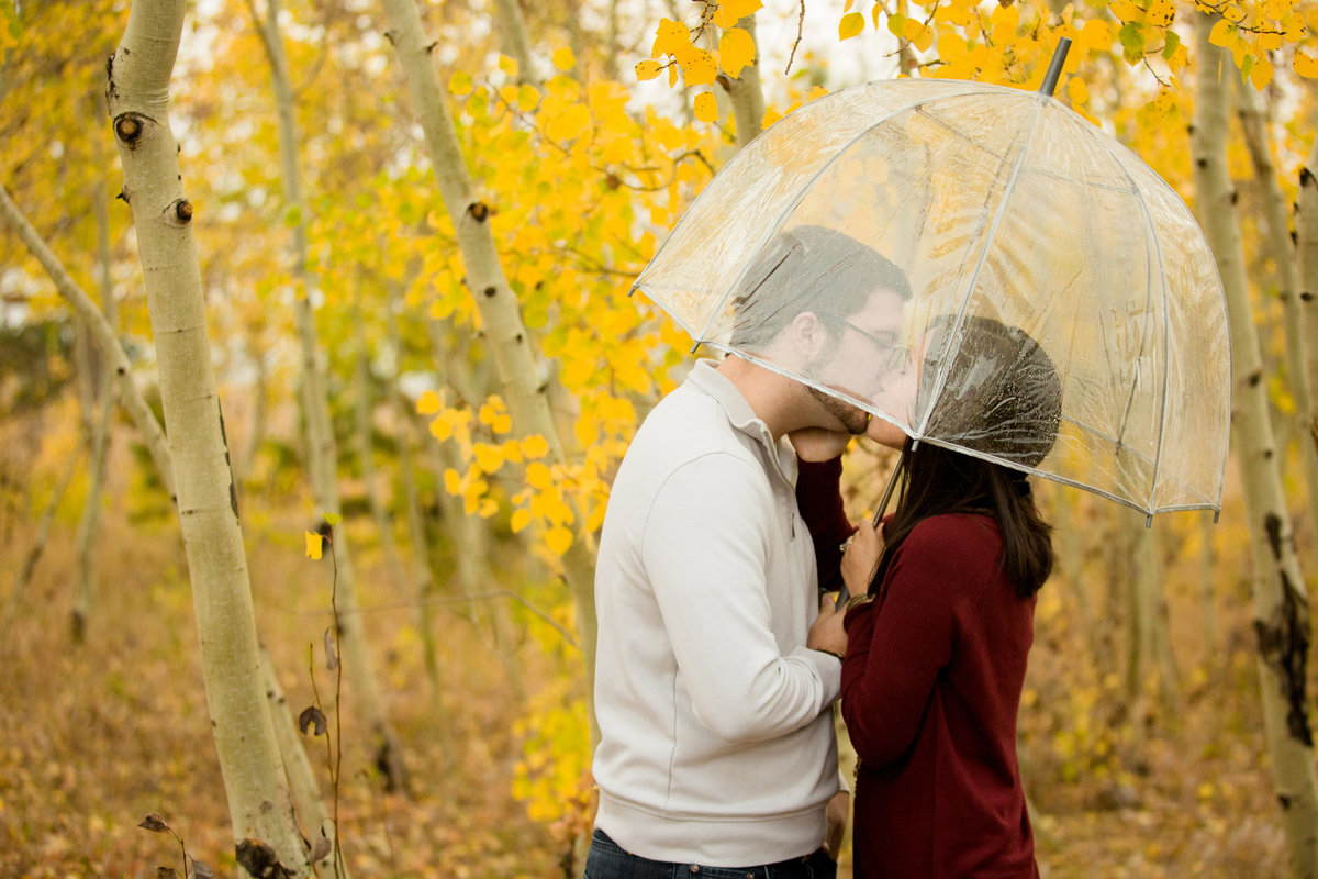 rainy-boulder-engagement-photos