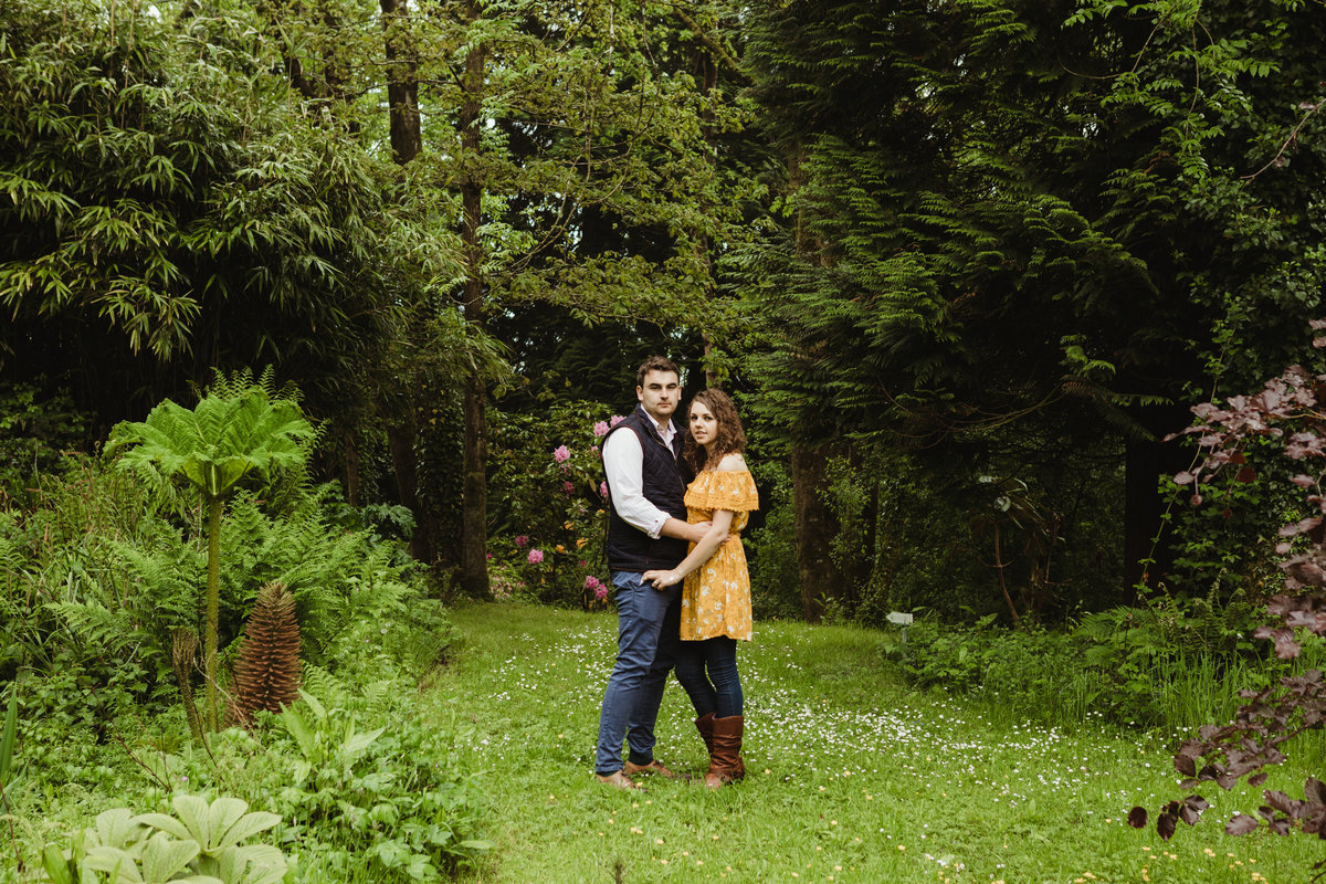 nature pre wedding photo near pond and wildlife