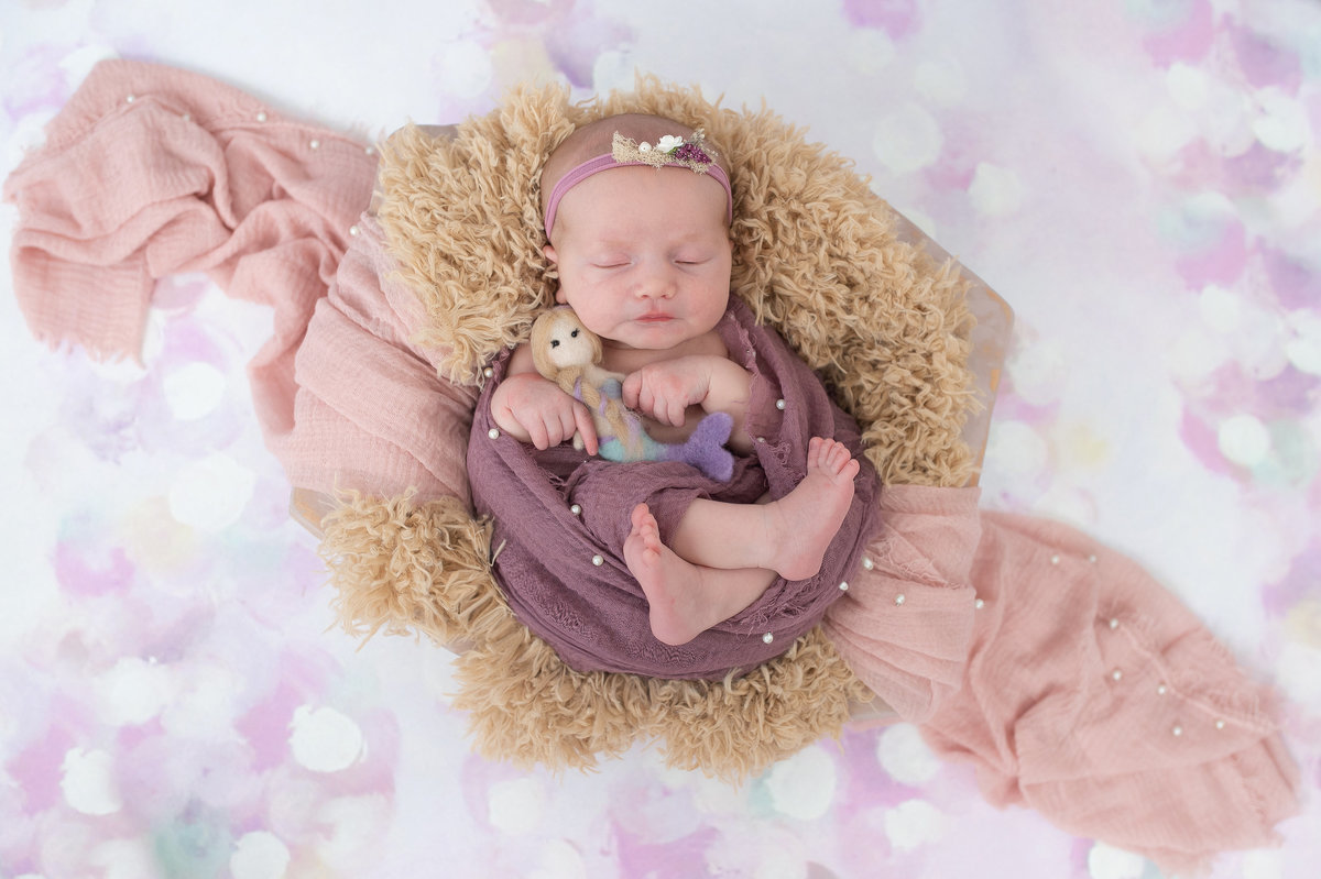 newborn-baby-girl-spring-studio-mini-session-imagery-by-marianne-2019-10