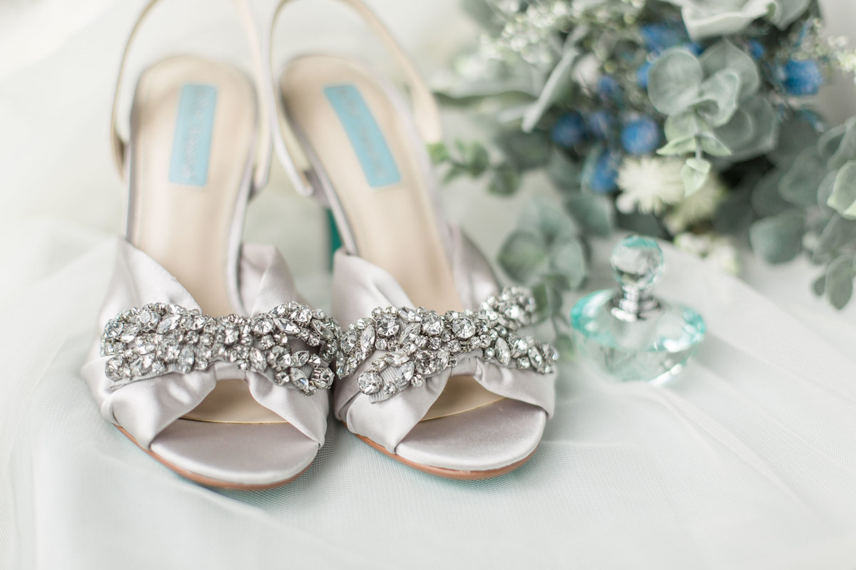 silver wedding shoes and details
